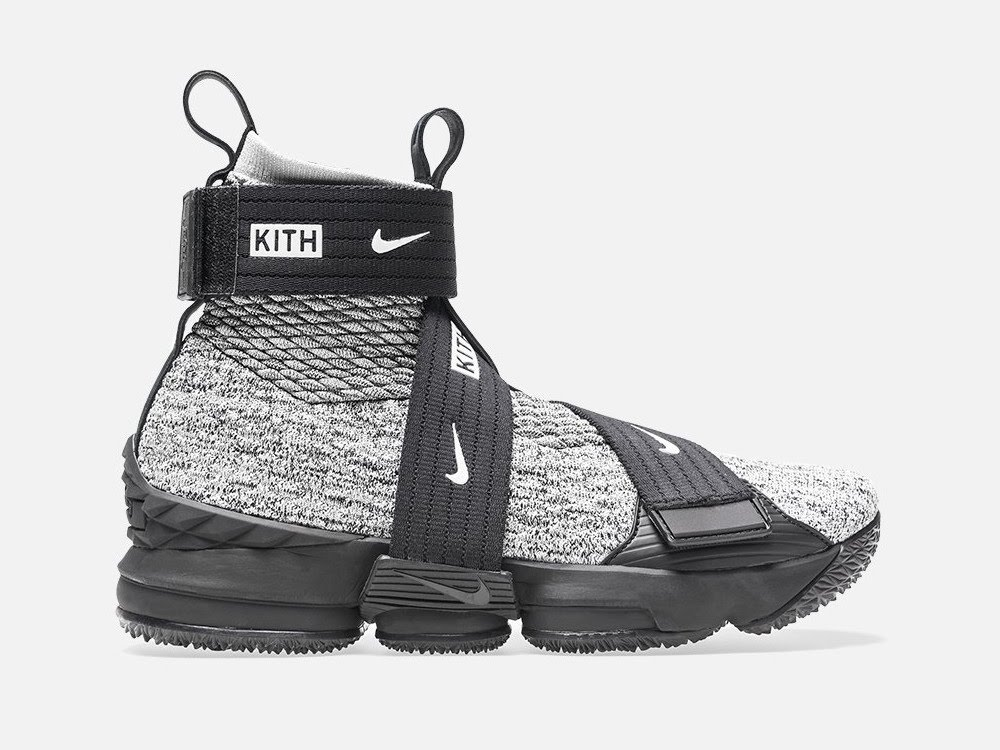 c7dfd921817a 30-12-2017 Detailed Look at KITH X Nike LeBron 15 Lifestyle  Concrete  ...