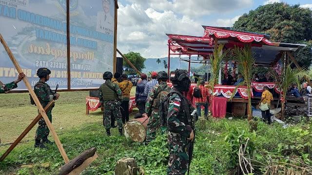 Satgas TNI Yonif 751/VJS Hadiri Acara Bakar Batu di Mamberamo Raya Papua