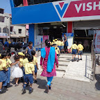 Field Trip to Vishal Mega Mart (Sr. KG) 11.09.2015