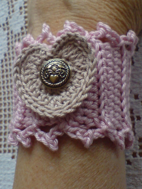 free crochet patterns, wristbands, headbands, cuffs,