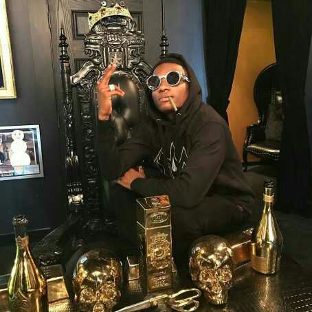 Wizkid Shows Off Multiple Awards In New Photo