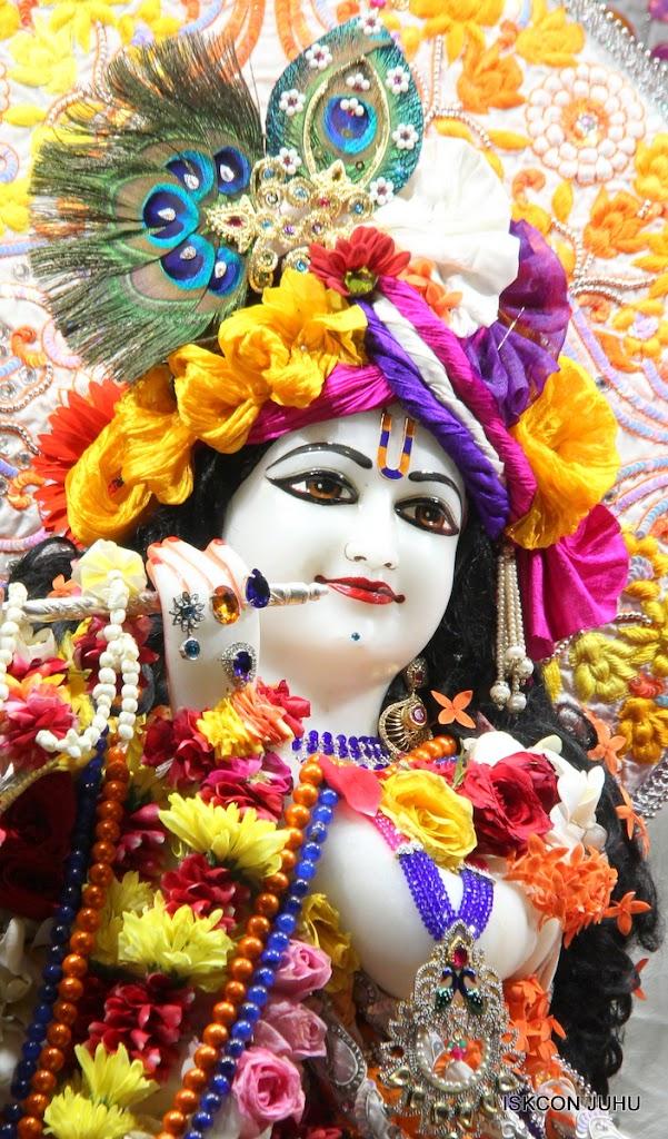 ISKCON Juhu Sringar Deity Darshan on 11th Aug 2016 (13)