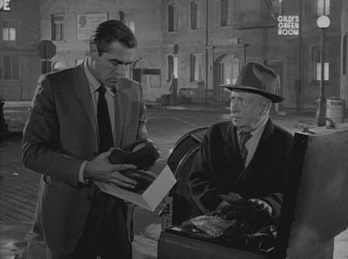 The Twilight Zone - s01e09 - Perchance to Dream 003