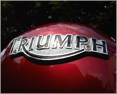 TriumphLogoWideSmall