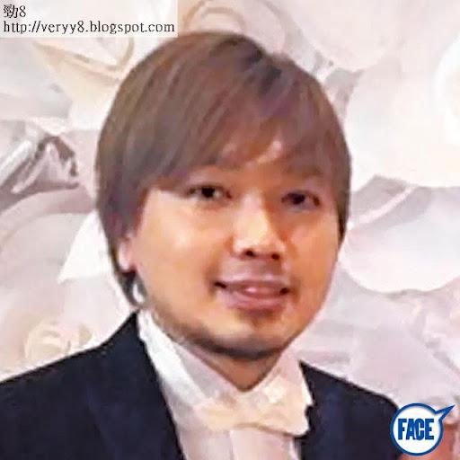 秘拖監製 馮瀚銘 <br><br>據知王菀之亦曾跟她的音樂監製 Alex Fung(馮瀚銘)關係糾纏,但最終馮選擇了跟前歌手黃馨結婚。
