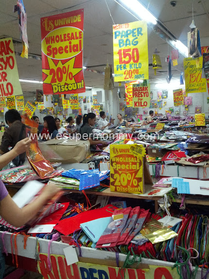 Affordable Christmas paper bags at Uniwide Sales, Caloocan City