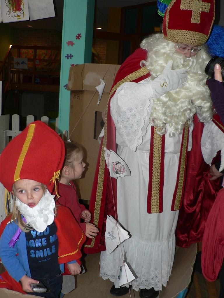 Sinterklaas op bezoek - P1270316.JPG