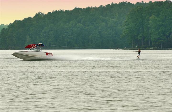 Boat_skier.jpg