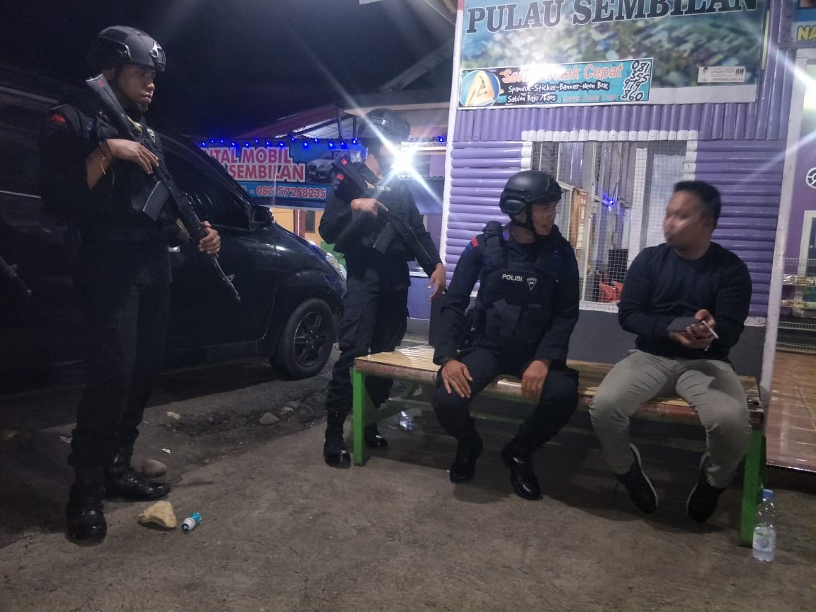 Lewat Patroli Kamandahan, Personel Brimob Yon C Sambangi Wilayah-wilayah Terpencil
