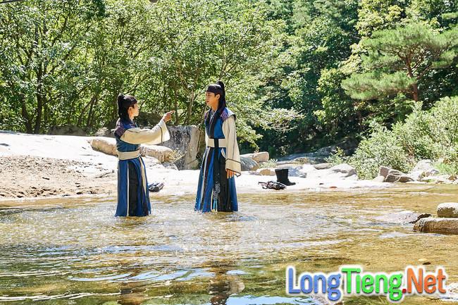 Hwarang: Vừa nói yêu Go Ara, Park Seo Joon lĩnh ngay một mũi tên chí mạng - Ảnh 19.