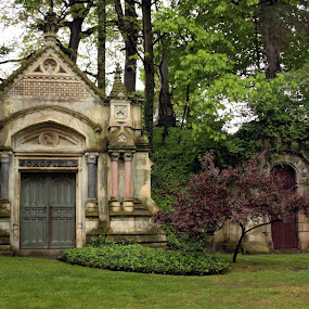 by John Fisher - Buildings & Architecture Statues & Monuments