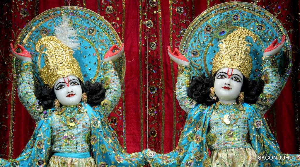 ISKCON Juhu Mangal Deity Darshan 11 Jan 2016  (21)