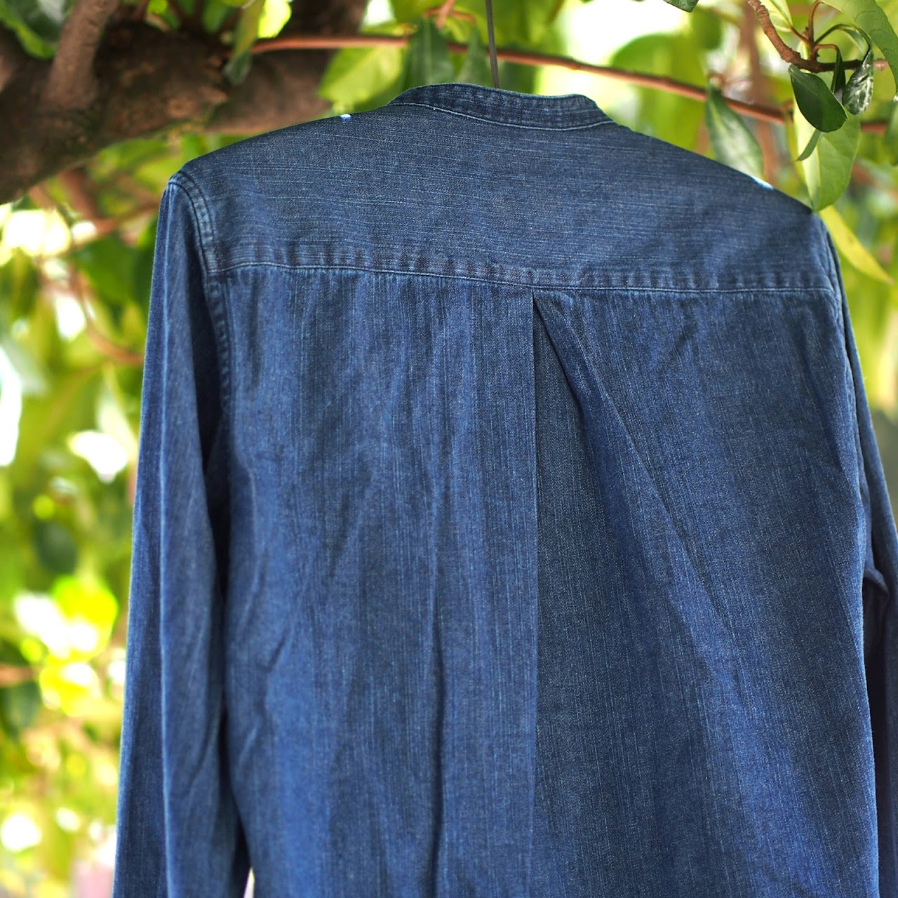 Manual Alphabet / 8oz Denim V-Neck Shirt