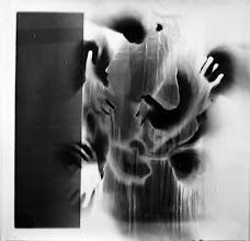 Photo: © Olivier Perrot Photogramme 1999 Portrait 1000x1000mm Papier baryte Ref : Portrait-06