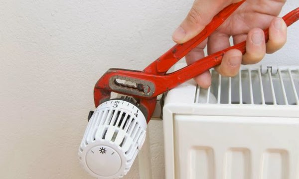 Extraer el aire de los radiadores