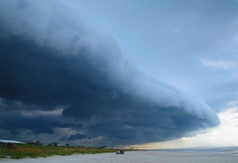 shelf-cloud-2