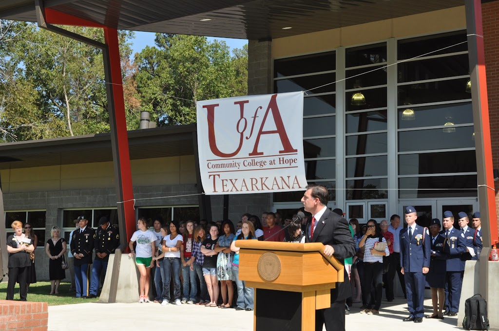 UACCH-Texarkana Ribbon Cutting - DSC_0360.JPG