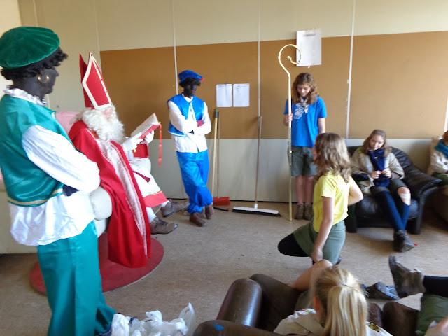 Sinterklaas op de scouts - 1 december 2013 - DSC00178.JPG
