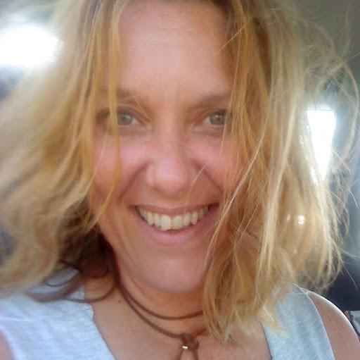 Janine Holstein