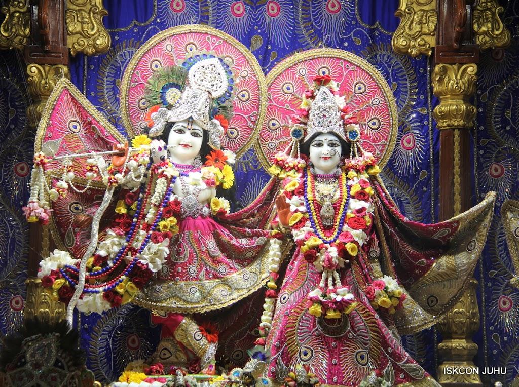 ISKCON Juhu Sringar Deity Darshan on 27th April 2016 (2)