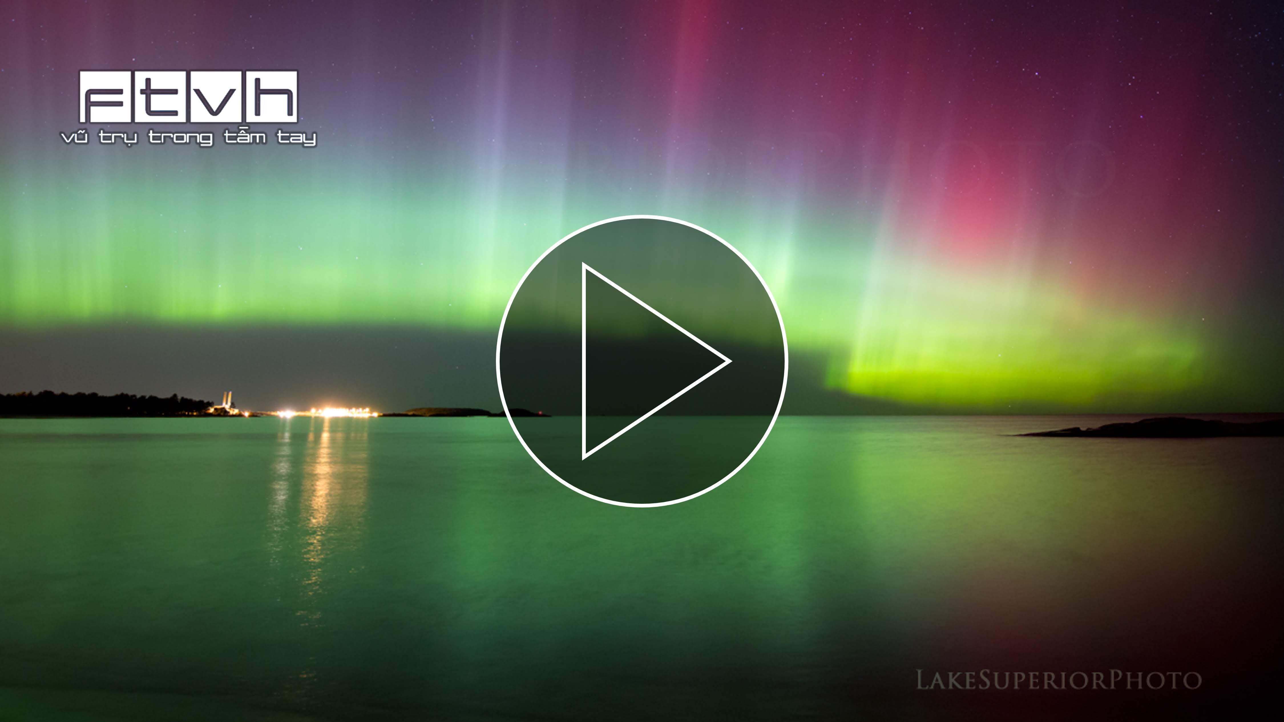 Video timelapse cực quang trên bầu trời hồ Michigan