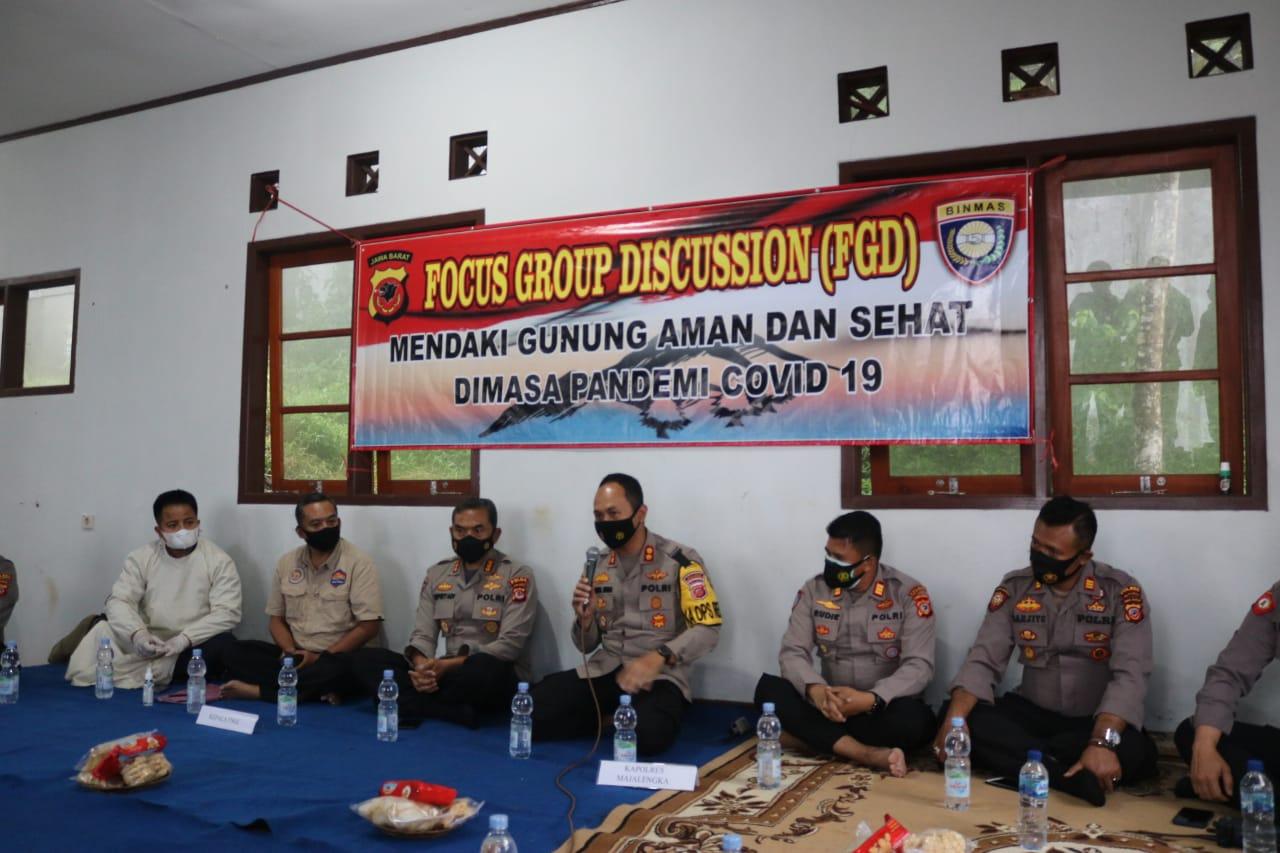 Dir Binmas Polda Jabar Bersama Kapolres Majalengka Polda Jabar Bahas TNGC