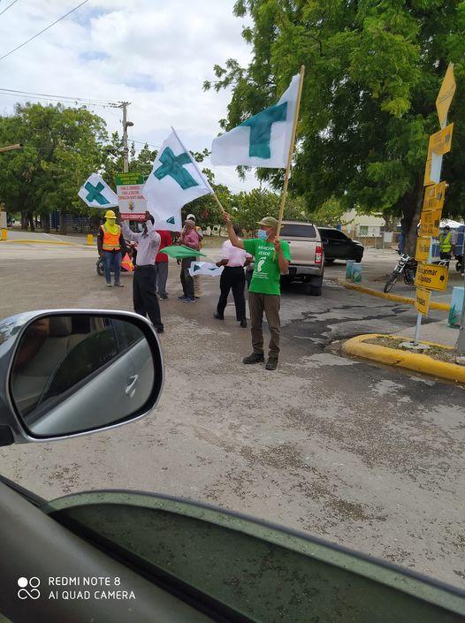 Municipes se levanta en  protestas pacifica frente al muelle de Barahona, en oposición de la Minera Belfond.