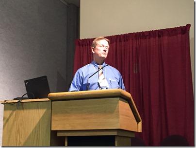 Dennis Meldrum谈论Fourstearearch'在线家庭历史书籍。