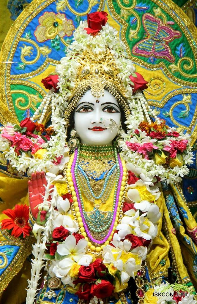 ISKCON Juhu Sringar Deity Darshan on 26th June 2016 (27)