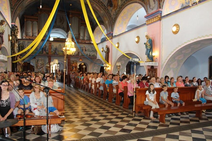Z relikwiami św. O.Pio w Istebnej - IMG_3462.JPG