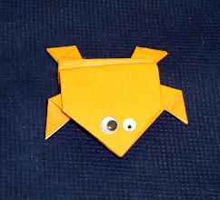 Photo: Este aprendiz ha tenido algún problema con los ojos de la rana :)