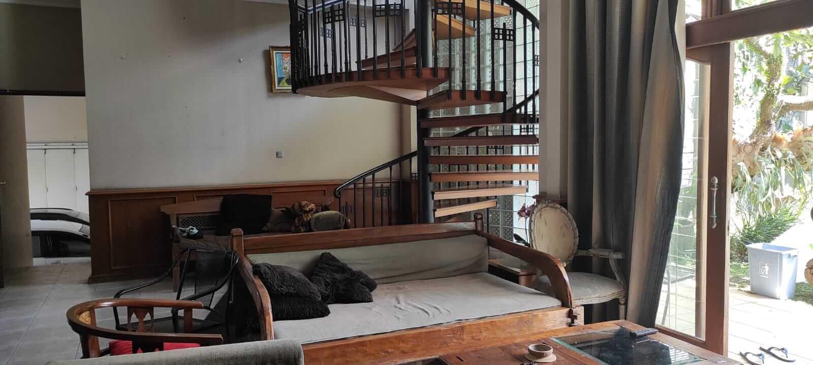 ruang tengah villa andaru gerlong bandung