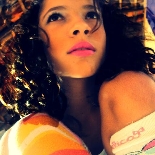 Alicia Martins Photo 16