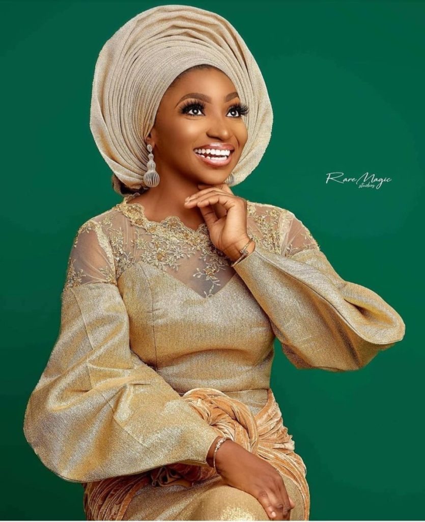 90 Edition Of #Ebfablook - Chic and classy Aso-Ebi Outfits And Styles For Regal Women in 2021