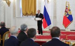 Vladimir-Putin-Heroes-1