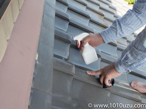 面戸漆喰を塗る部分を湿らす