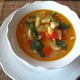 Zupa fasolkowa z szałwią