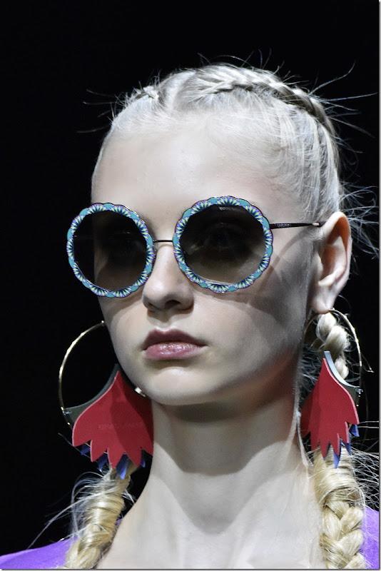 Emporio Armani Womenswear SS17_ Close Up