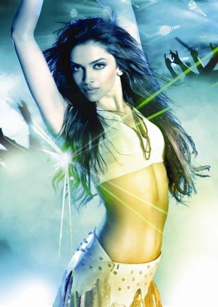 Deepika Padukone looking hot in Dum Maro Dum