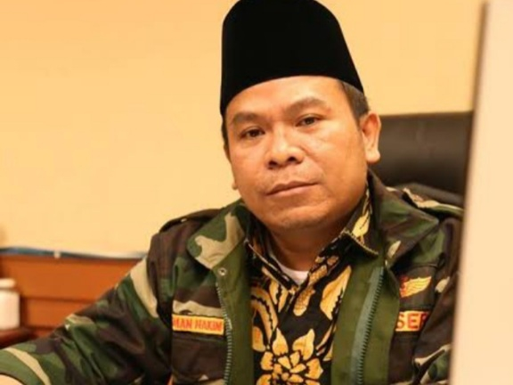 Peternak Bentangkan Poster ke Jokowi Ditangkap, Politikus PKB: Cukup 2 Periode, Kekuasaan Brutal dan Menindas!