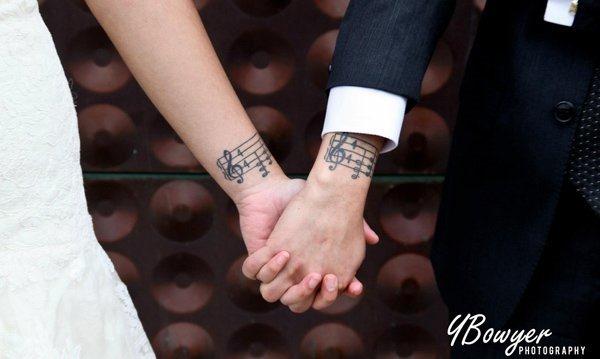 notas_musicais_par_braço_tatuagens