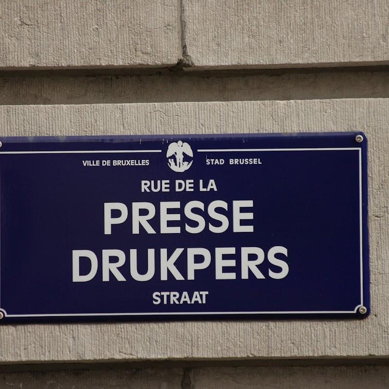 Brussels_068 Rue de la Presse Sign.jpg