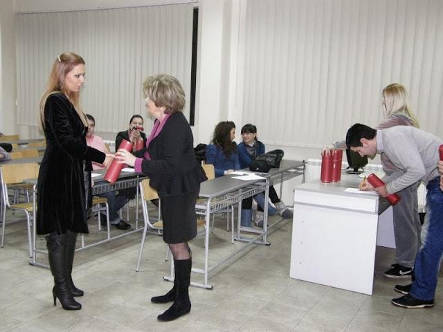 Dodela diploma, Predstava, Izlozba SingiDigitala 28.12.2011 - PC280289.jpg