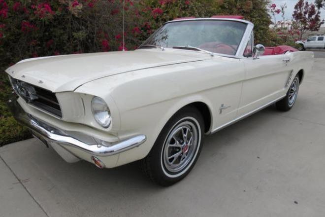1965 Ford Mustang Convertible / Vanilla Hire CA
