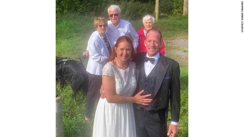 Couple hold their wedding at border of US and Canada to allow bride's family witness the event