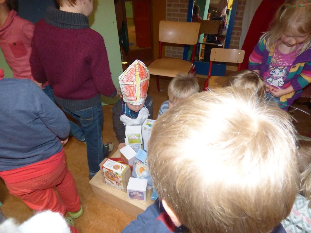 Sinterklaas op bezoek - P1060548.JPG