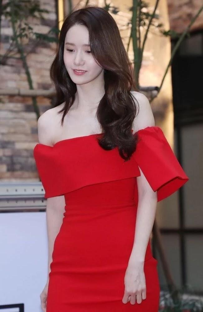 yoona red rose 2