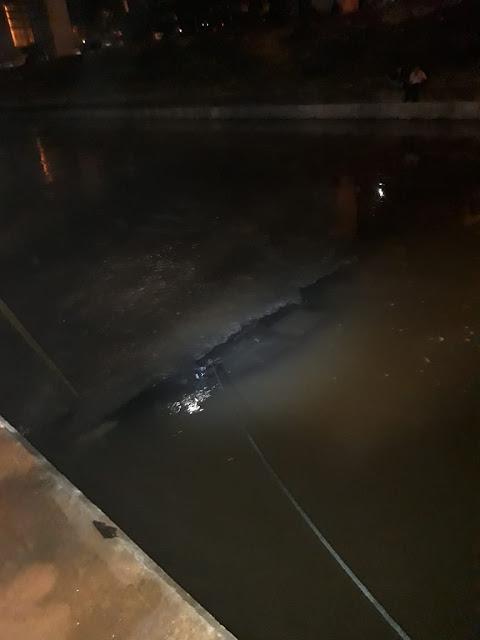 Mobil terjun Ke Kali Malang Dua Orang Tewas