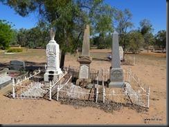 180510 049 Muttaburra Cemetery