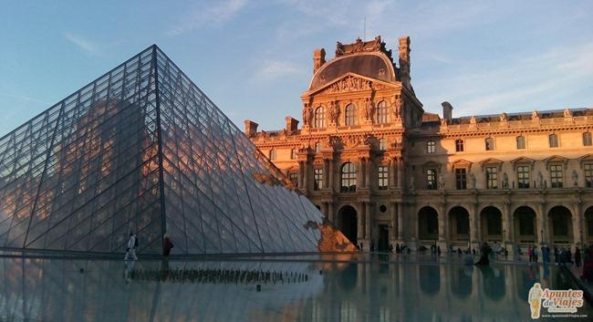 Visitar Paris a pie Marais Louvre 12